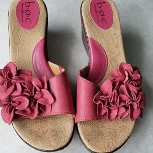 Born BOC pink leather floral wedge sandals 9